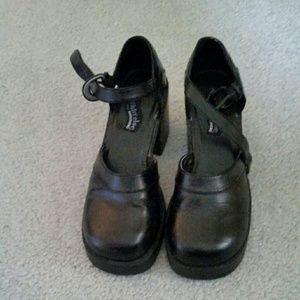 Sketchers dress shoes